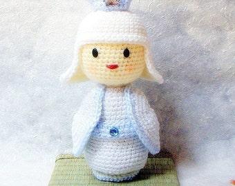 Amigurumi pattern - Snow Princess - Crochet Kokeshi doll tutorial PDF