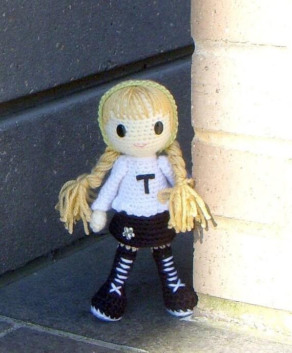 Crochet Amigurumi pattern - Tammi - Amigurumi girl doll pattern / PDF