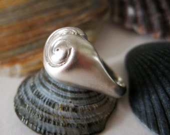 Hatteras Silver Snail Shell Ring Small