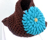 """Brown Wool infinity Scarf with Detachable 8"""" Aqua Chrysanthemum Flower Brooch * Thick Chunky Scarf by Tejidos on Etsy * Long Scarf & Flower"""
