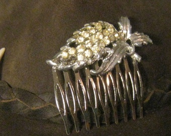 VINTAGE upcycled light yellow RHINESTONE encrusted leaf hair comb,wedding,Bride,Refurbished