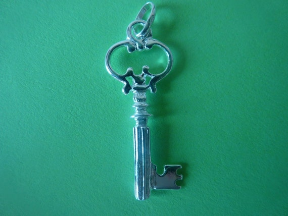 2 pcs 31 mm sterling silver big key pendant