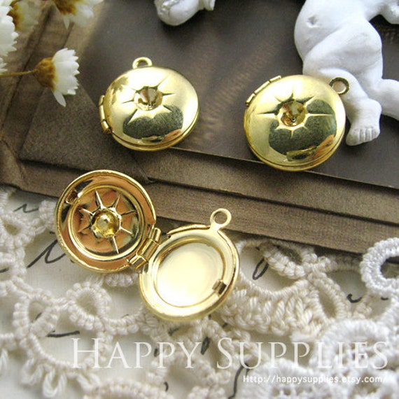Last - SALE - 50pcs Nickel Free - High Quality Victorian Gold Plated Round Locket Pendants / Charms  (ZL028)