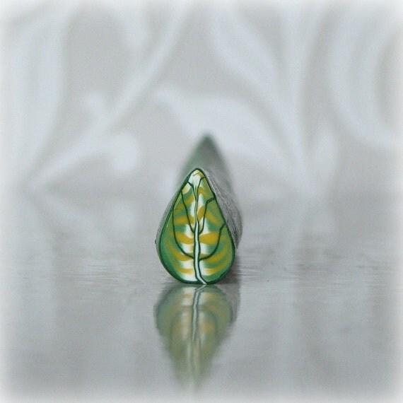 Polymer Clay Tiny Green Leaf Cane
