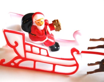 Santa Claus in Sleigh With 6 Reindeer Cake Topper