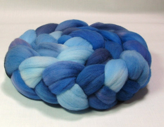 Rambouillet roving hand dyed 4oz sky blue royal blue navy blue R1078