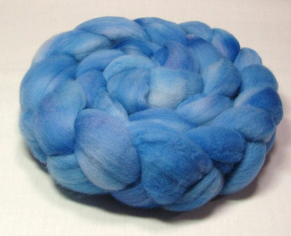 Polwarth roving, top hand dyed 4 oz shades of blue 1060
