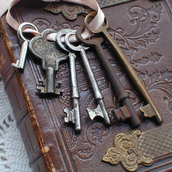 Skeleton Keys Antique / Vintage Variety of Six Grungy Keys edit