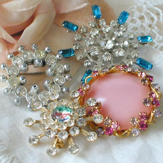 Vintage Costume Rhinestone Jewelry Brooch Lot