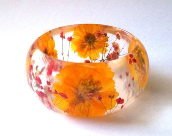 Size Large Red and Yellow Botanical Resin Bangle.   Real Flowers - Red Baby's Breath and Yellow Cosmos.  Custom Engraving.
