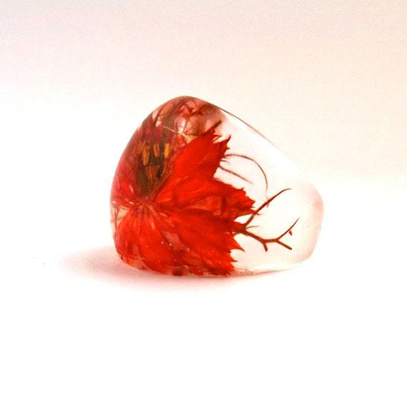 Orange Nigella Resin Ring. Pressed Flower Resin Ring.  Cocktail Ring.  Handmade Jewelry with Real Flowers - Orange Nigella