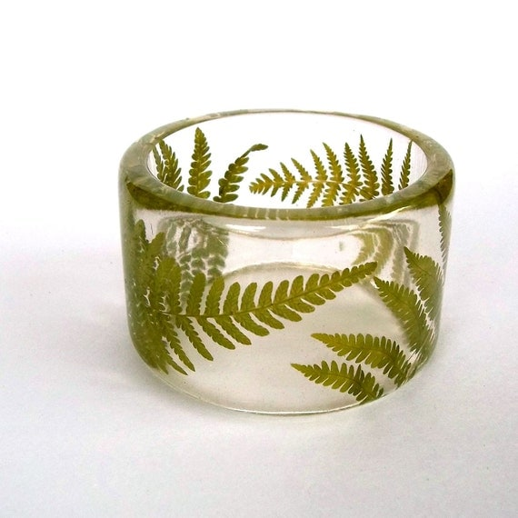 Size Medium Fern Botanical Resin Bangle.   Real Flowers - Green Fern Bracelet. Engraved Bracelet. Personalized Gift