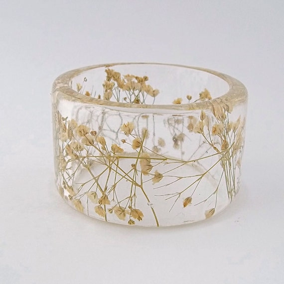 White Baby's Breath Botanical Resin Bangle.  Chunky Bangle with Pressed Flowers.  Real Flowers - White Baby's Breath
