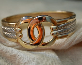 Vintage Love Knot Bangle