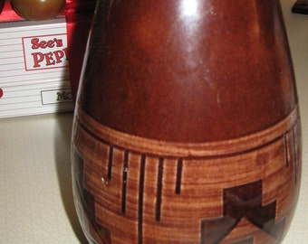 Sioux Pottery Vase Signed By R Red Elk South Dakota American Indian potter hand made art brown glaze geometric red clay crafter