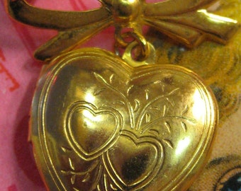 Locket Brooch Bow Pin Holds 2 pictures gold tone Puffy Heart vl Team wlv team Vestiesteam jwl team