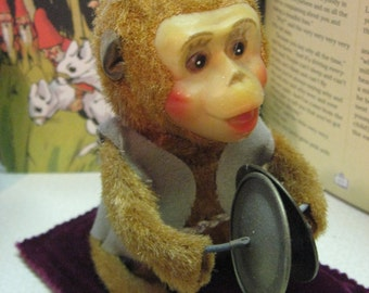 MONKEY TOY Key Wind Vintage Wants to work Has Key Celluloid face 4.5 Tall