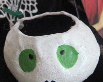 SKELLY GHOST Paper Mache Candy Container White with sparkels green eyes Purple interior Halloween SALE use coupon code 10moj