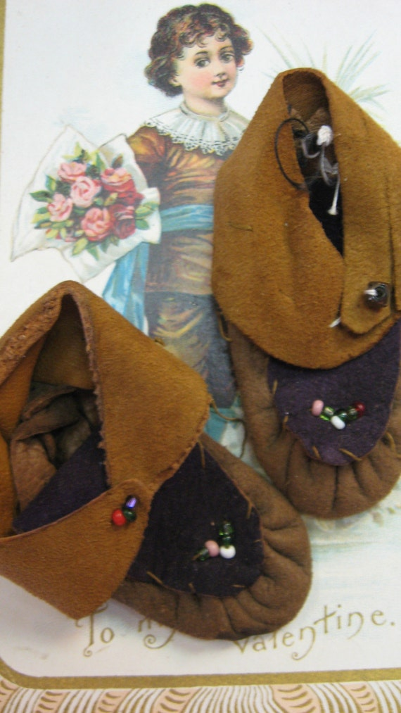 Doll Old Indian Style Leather Boots MOCCASINS Beads Tiny DOLL 2.5""