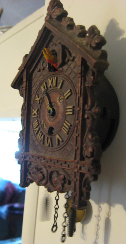 Antique wind up novelty cuckoo clock keebler coo coo - Coo coo clock pendulum ...