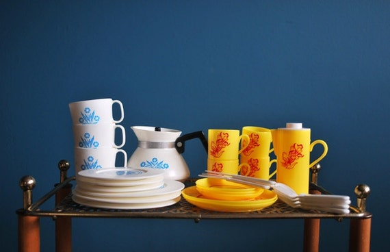 Vintage Collection of 30 Plastic Toy Dishes