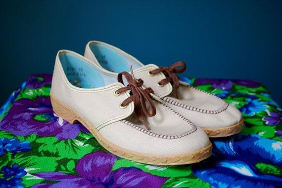 Vintage 60s/70s Women's Canvas Shoes- Unworn- Size 8