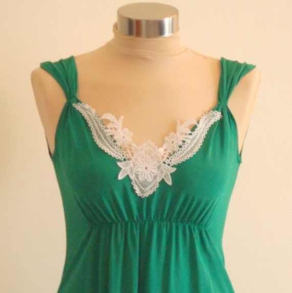 Cocktail Mini Dress with Beautiful White Embroidery - Green
