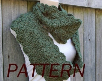 Crochet Pattern Infinity Scarf in Scalloped Pattern PDF