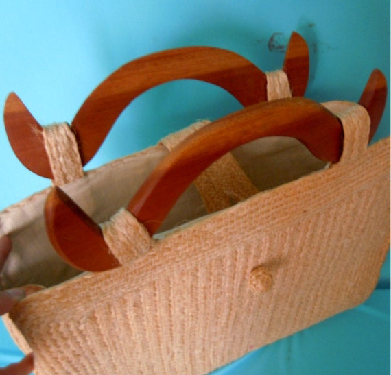 vintage 70's straw tote bag / handbag with wooden handles