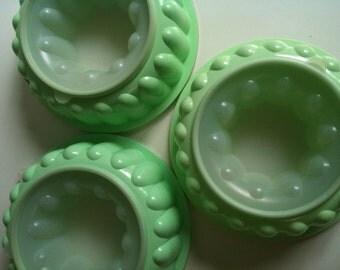 Vintage Mint Green Tupperware Jello Mold
