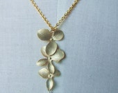 Three orchid flower with fresh water pearl gold plate chian necklace