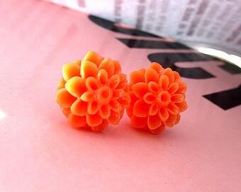 Orange fever orange mum earring
