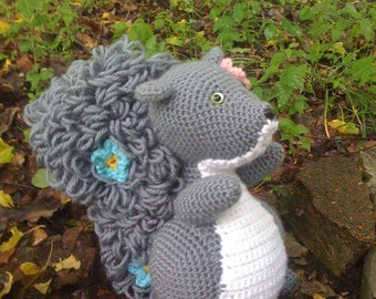 Taffy the Squirrel - Crochet Pattern Instructions