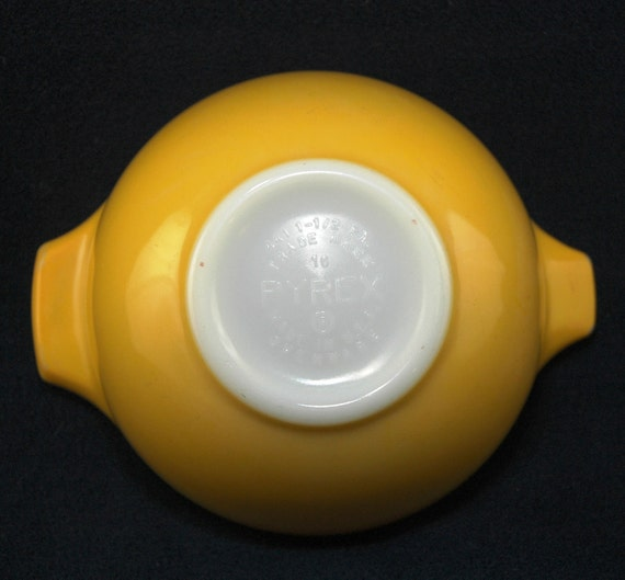 Pyrex Cinderella Mixing Bowl 441 Bright Yellow - Vintage - 1970's