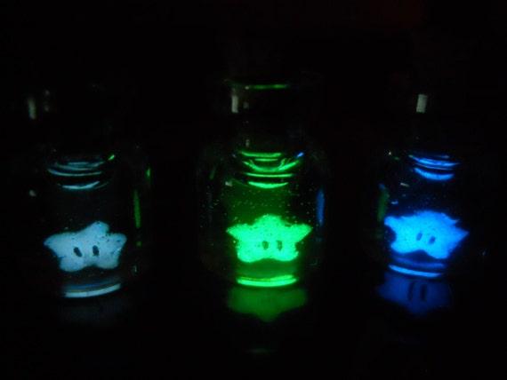Mini glow-in-the-dark Super Mario Invincibility Star charm