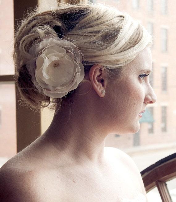 Bridal Ivory and net flower /// Norah