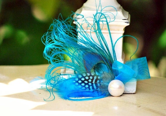 Something Blue Peacock Hair Clip / Comb. Pearl / Rhinestone Elegant Feather, Summer Feminine Teen Birthday, Bride Bridesmaid Stunning Party