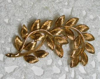 Vintage Napier Gold Tone Brooch