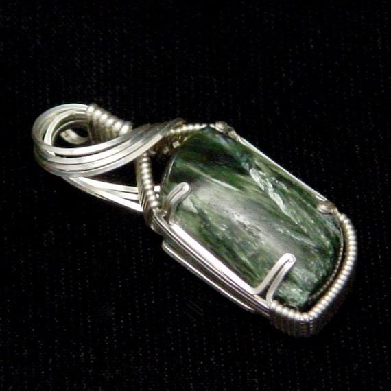 Seraphinite in Argentium Silver Wire
