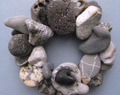 Gray Rock Wreath & Candle Ring With Heart (RW163)