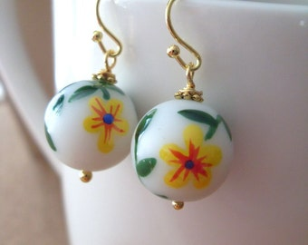 READY TO SHIP, Hand painted Yellow flower earrings, Birthday gift for her, Bridesmaid earrings, Summer jewelry earrings, Wedding Party Favor