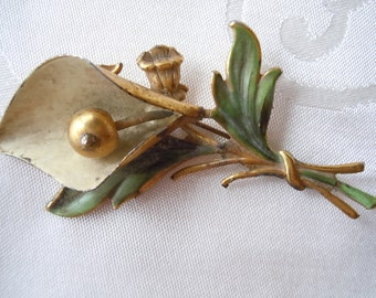 FREE SHIPPING Vintage 1940s Sterling Silver Flower Brooch