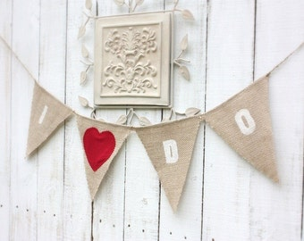 I do burlap banner with red fabric heart