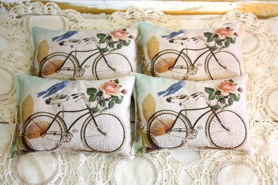 4 Vintage style sachets filled with Lavender buds,cottage roses,bluebird,shabby chic