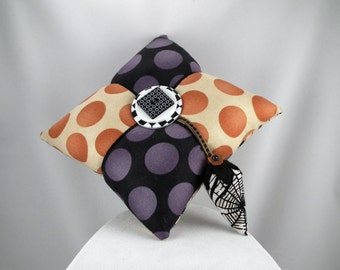 Collectable Pincushion with a Halloween Spider Theme