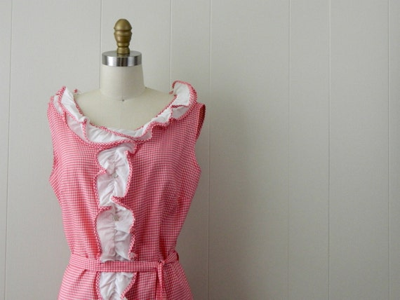 60s  Dress . Red Gingham .... A Ruffle Runs Through It ... Size Medium to Large