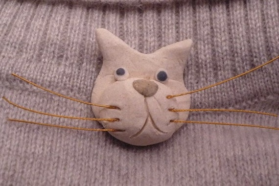 Kitty Cat with whiskers Pin Brooch