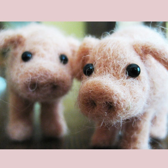 This little piggy, needle felted animal