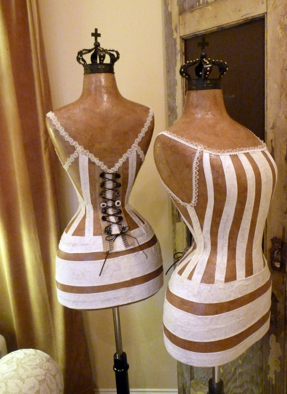 Vinttage Inspired Dress Form Mannequin For Bride Wedding Queen