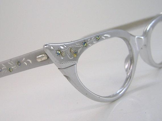 Vintage 50s Silver Pointy Cateye With Leafy Etching And Rhinestones Eyeglasses Eyewear Frame